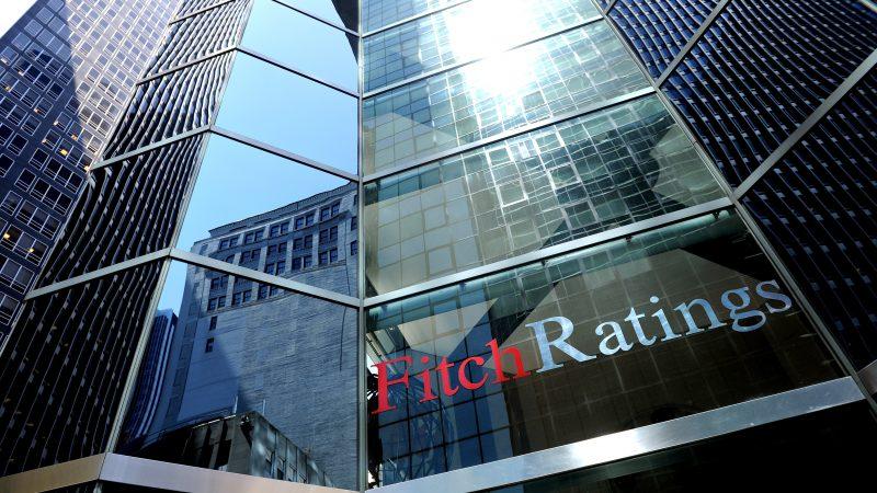 Fitch taglia rating Italia