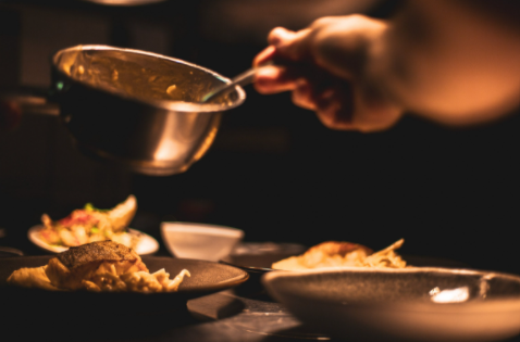 """Quale futuro per la ristorazione? Arrivano le """"cucine fantasma"""""""