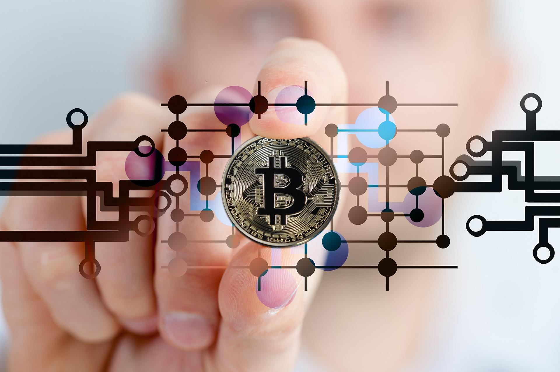 Bitcoin: per Bloomberg il prezzo toccherà i $400k